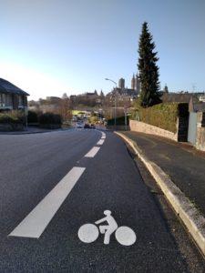 Coutances, bande cyclable avenue des Sapins, decembre 2020
